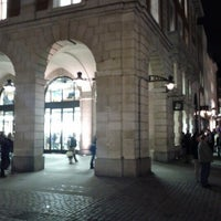 Photo taken at Apple Covent Garden by Ashley A. on 1/31/2013