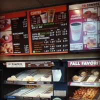 Photo taken at Dunkin' Donuts by Kenneth C. on 9/19/2012