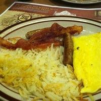 Foto scattata a Denny's da Chris C. il 12/16/2012