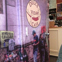 Photo taken at Dulce Vida Cafe & Resturant by Nilsa R. on 5/18/2013