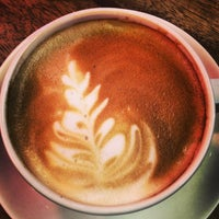 Das Foto wurde bei Starbucks von Özlem S. am 3/2/2013 aufgenommen