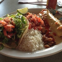 Photo taken at Wahoo's Fish Taco by T. Frank S. on 4/9/2013