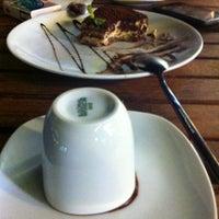 Foto tirada no(a) Cafe Port Bistro por Ddm em 7/27/2013