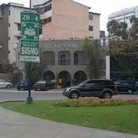 Foto tirada no(a) Librería El Virrey por José Alejandro G. em 11/24/2012