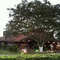 Foto tomada en Restaurante La Tinaja por Elizabeth V. el 12/8/2012