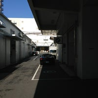 Photo taken at ビー・エム・ダブリー東京株式会社 勝どきサービス/BPS勝どき/MINI NEXT勝どき by Norihito H. on 2/13/2013