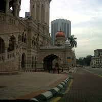 Photo taken at Bangunan Sultan Abdul Samad by Boy T. on 11/23/2012