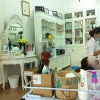 Photo taken at ร้านนวดหน้า ลิลลี่ by พรหมลิขิต ท. on 11/7/2012