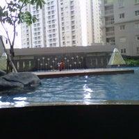 Photo taken at Swimming Pool Royal Mediterania Garden by Levita N. on 11/10/2012