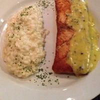 Foto tirada no(a) Medit Restaurante por Eduardo F. em 10/17/2012