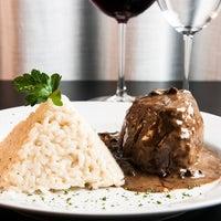 Foto tirada no(a) Medit Restaurante por Eduardo F. em 11/9/2012
