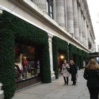 Foto scattata a Selfridges & Co da LuckySleven il 11/26/2012