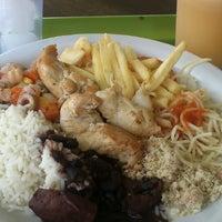 Foto tirada no(a) Restaurante Golden Grill por Ricardo R. em 4/27/2013