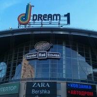 Снимок сделан в Dream Town, 1 линия пользователем Dmitreo 2/24/2013