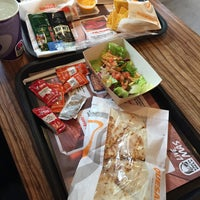 Photo taken at Taco Bell by Dinorah P. on 9/27/2015
