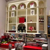 Foto scattata a Caffè Eppinger - Trieste 1848 da Fabian S. il 1/4/2013