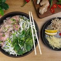 Das Foto wurde bei Joly Woo von Стрит-фуд кафе вьетнамской кухни JOLY WOO am 3/20/2017 aufgenommen