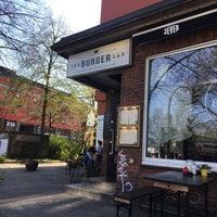 Das Foto wurde bei The Burger Lab von Svit L. am 4/19/2018 aufgenommen