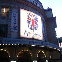 Foto scattata a Piccadilly Theatre da Brian N. il 12/11/2012