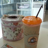 Photo taken at Coffee Bee by Kuantum N. on 10/8/2014