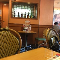 Photo taken at サイゼリヤ 神田小川町店 by はっちゃん™ on 4/15/2016