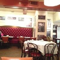 2/16/2013にKylie K.がOllie's Sichuan Restaurantで撮った写真