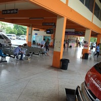 Photo taken at บริษัทขนส่งสุพรรณบุรี | Suphanburi by DekChai J. on 4/24/2014