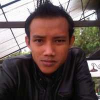 Photo taken at Cafe Bunga by Haris A. on 10/22/2011