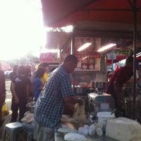 Photo taken at Pasar Malam Sri Rampai by Yinz Y. on 1/20/2011