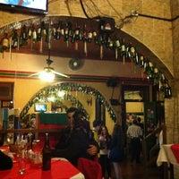 Foto tirada no(a) Piolin Cantina e Pizzaria por rafa r. em 5/27/2012