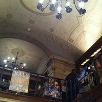 Foto diambil di Rizzoli Bookstore oleh Giselle U. pada 10/9/2011