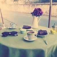 9/12/2013 tarihinde Eren T.ziyaretçi tarafından Luz Café'de çekilen fotoğraf