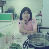 Photo taken at Q.Q. Suki Resturant by Ploy P. on 12/5/2012