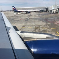 Photo taken at British Airways Flight BA 951 by Kenny on 3/20/2018