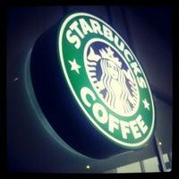 Снимок сделан в Starbucks пользователем Ирина Л. 3/31/2013