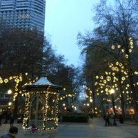 Foto diambil di Rittenhouse Square oleh Shangchun Y. pada 12/2/2012
