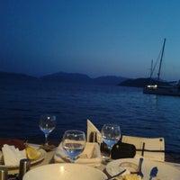 8/22/2013 tarihinde Hakan B.ziyaretçi tarafından Octopus Restaurant'de çekilen fotoğraf