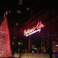 รูปภาพถ่ายที่ Bottoms Up โดย SuNDaY เมื่อ 12/27/2012