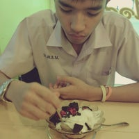 Photo taken at TW gether ' Ice Cream by Natchanipa E. on 7/1/2013