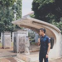 Photo taken at Museum Taman Prasasti by Ramdan R. on 5/14/2017