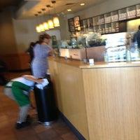 Снимок сделан в Starbucks пользователем Don H. 4/16/2013