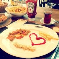 11/23/2012 tarihinde 🎀 Ylz.Bziyaretçi tarafından KA'hve Café & Restaurant'de çekilen fotoğraf