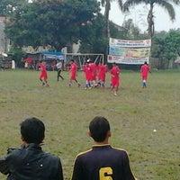 Photo taken at Lapangan sepak bola rengas by Baret A. on 5/22/2013
