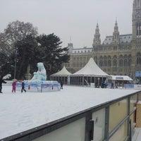 Das Foto wurde bei Rathausplatz von Gerald R. am 1/28/2013 aufgenommen