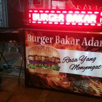 Photo taken at Burger Bakar Adam by ismiteulamraja on 7/7/2013
