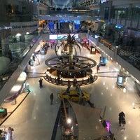 10/18/2013 tarihinde Shariff R.ziyaretçi tarafından Dubai Uluslararası Havalimanı (DXB)'de çekilen fotoğraf