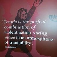 Das Foto wurde bei Wimbledon Lawn Tennis Museum von Elena O. am 7/16/2013 aufgenommen