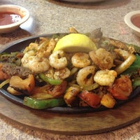 Photo taken at Los Mayas Mexican Restaurant by Lovell B. on 3/17/2013