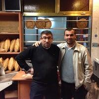 Photo taken at 5 Kardeşler fırını by Idris ş. on 11/27/2013