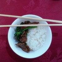 Foto tirada no(a) Ton Hoi Restaurante por Tati A. em 11/24/2012